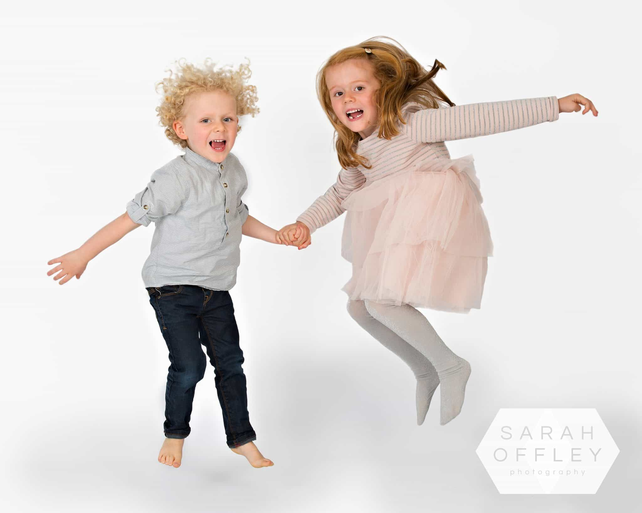 children photo session jumping