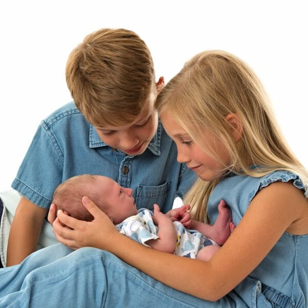 newborn & sibling photography wirral